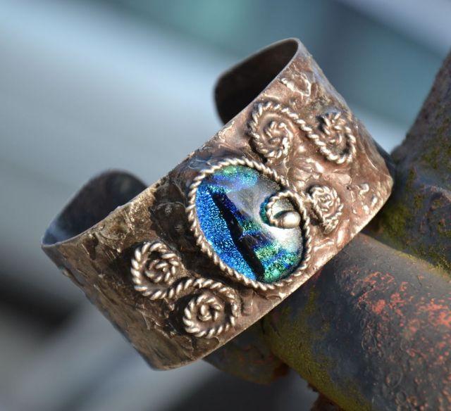 č.1999: Cínované náramky/prsteny s dichroickým sklem či minerály